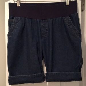 Announcements Jean Shorts (size: small maternity)